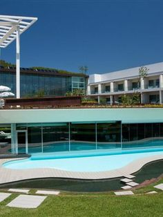 Português Onyria Marinha Edition Hotel & Thalasso considerado o terceiro melhor hotel do mundo.
