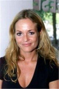 2004 – Guusje Woesthoff-Nederhorst (34) overleden. Zij was een Nederlands actrice en zangeres. Ze is vooral bekend geworden met haar rol als Roos Alberts-de Jager (1992 t/m 2000) in de soap Goede tijden, slechte tijden. Daarnaast zat ze met GTST-collega's Babette van Veen en Katja Schuurman in de meidengroep Linda, Roos & Jessica.