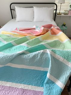Woodberry Way: Pastel Rainbow Quilt Tutorial Quilting For Beginners, Quilting Tips, Quilting Projects, Quilting Designs, Patchwork Quilting, Sewing Projects, Modern Quilting, Longarm Quilting, Machine Quilting