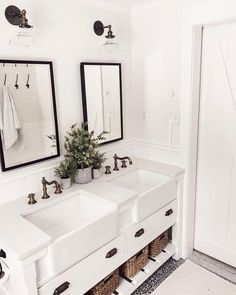 Extraordinary White Bathroom Ideas White is the go to shading with regards to home inside outline; nonetheless, the same number of property holders know, an all white bathroom can rapidly end up exhausting. This impartial tint [. All White Bathroom, Small Bathroom, Gold Bathroom, Glass Bathroom, Bathroom Bin, Mosaic Bathroom, White Bathrooms, Dream Bathrooms, Jack And Jill Bathroom