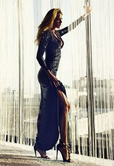 Gucci, Blake Lively!!    ♥ ♥ Please feel free to repin ♥♥  http://fashionandclothingblog.com/fashion-1/