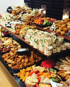 Wedding Buffet Food Party Buffet Food Set Up Food Platters Christmas Brunch Brunch Party Food Presentation Appetizers For Party Party Snacks Appetizers Table, Holiday Appetizers, Appetizer Recipes, Dinner Recipes, Wedding Appetizers, Appetizer Table Display, Meat Appetizers, Wedding Appetizer Table, Wedding Canapes