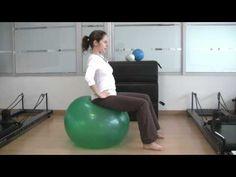 #Embarazo. Ejercicios para embarazadas con balon de pilates. www.mimanualdelbebe.com