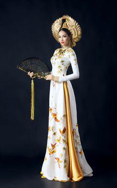 Ngắm trọn bộ Áo dài tuyệt đẹp của Phạm Hương tại Hoa hậu Hoàn vũ 2015
