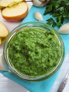 Постигая искусство кулинарии... : Соус из петрушки, чеснока и яблока