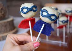 zítra nás čeká velká sláva! Kryštůfek oslaví už PÁTÉ narozeniny! 😨🎂🎈🎆 (cakepops v bílé čokoládě s marcipánem) #homemade #superheroes #cakepops #whitechocolate #birthday #bdayboy #5years #instabake #bakingmom #bakingtime #foodie #foodlover #kidsparty #birthdayparty #yummy #peceni #oslavanarozenin #homebaker #homebaked #czech #avecplaisircz Food And Drink