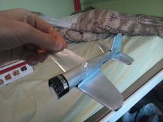 Aluminium can airplane