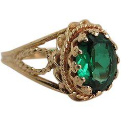 Vintage 18K Gold Green Tsavorite Garnet Ring