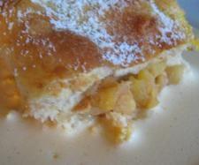 Rezept Apfelstrudel mit Vanillesoße (Hefeteig) von Sabine1980 - Rezept der Kategorie Backen süß