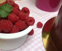 Bezlepkový dort s mascarpone a malinovým pyré Raspberry, Cheesecake, Gluten Free, Cupcakes, Fruit, Recipes, Mascarpone, Glutenfree, Cupcake Cakes