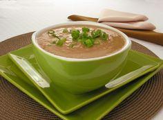 Sopa cremosa de legumes com carne Tatoos, Tea Cups, Soup, Tableware, Ethnic Recipes, Kitchen, Desserts, Gifs, Creamy Soup Recipes