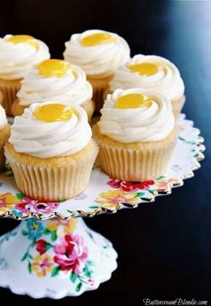 Meyer Lemon Cupcakes - filled with bright lemon curd & topped with light & fluffy mascarpone frosting!  | ButtercreamBlondie.com #cupcakes