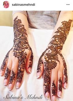 Top Dainty Engagement Mehndi Designs For Bride Pretty Henna Designs, Back Hand Mehndi Designs, Mehndi Designs 2018, Mehndi Designs For Girls, Modern Mehndi Designs, Dulhan Mehndi Designs, Mehndi Design Pictures, Wedding Mehndi Designs, Beautiful Mehndi Design