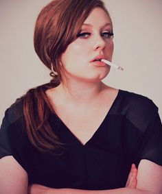 It is very good decision that Adele decides to give up smoking to safe her voice. Adele, full name is Adele Laurie Blue Adkins MBE is an English singer and Britney Spears, Adele 21, Adele Live, Adele Someone Like You, Adele Photos, Divas, Taylor Swift, We Will Rock You, Nicole Richie
