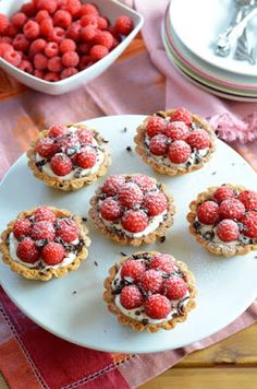 Vanilla Cream and Raspberry Basket Recipe, Food And Drinks, Vanilla Cream and Raspberry Basket Recipe. Cookie Recipes, Dessert Recipes, Waffle Cake, Mini Tart, Vanilla Cream, Food Categories, Mini Cupcakes, No Cook Meals, Fudge