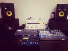 Repost @polywave  The Drums. Thanks for sharing @kikerosfera #korg #electribe #electribelovers #elektron