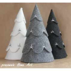 You are in the right place about Diy Felt Christmas Tree ornaments Here we offer you the most beauti Felt Christmas Decorations, Felt Christmas Ornaments, Noel Christmas, Homemade Christmas, Rustic Christmas, Winter Christmas, Diy Ornaments, Beaded Ornaments, Glass Ornaments