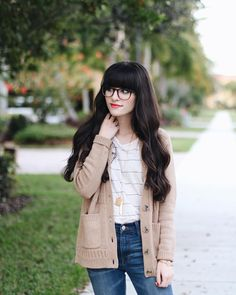 @newdarlings instagram - girl with glasses - simple outfits - @madewell sweater