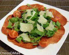 Carpaccio di bresaola con rucola e parmigiano ricetta veloce il chicco di mais http://blog.giallozafferano.it/ilchiccodimais/carpaccio-di-bresaola-con-rucola-e-parmigiano-ricetta-veloce/