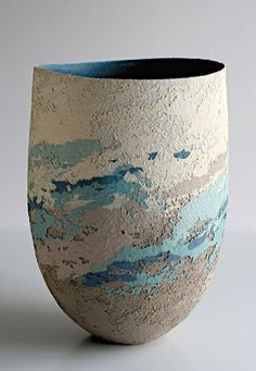 Clare Conrad - stoneware ceramics Love the texture on this piece as well as the colours.