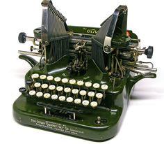 Resultado de imagen para oliver typewriter