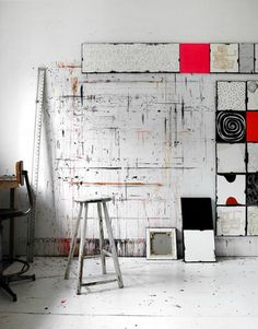 pop-deco:    working studio    (via jaume-pinya)