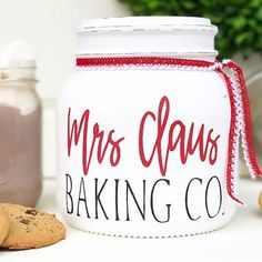 It's #smallbusiness Saturday and I️ couldn't help but share this adorable cookie jar made by the fantastic sibling duo behind @midnightowlcandlecompany. It would match perfectly with our Mrs. Claus' Bakery Sign! If you don't already follow Doug and Kristie, head over and check them out! They have amazing candles and such cute mason jar goodness! . . . PS- our Black Friday weekend sale continues through Monday! Select items are marked down 20%, including our Mrs. Claus' Bakery sign!