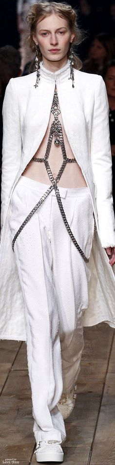 Trending Fall 2015 & Spring 2016 - The Body Chain (image features: Alexander McQueen Spring 2016 RTW) #alexandermcqueenrunway