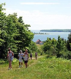 A long-time vacation destination for many Midwesterners, Wisconsins Door County peninsula offers a wealth of activities for all ages and interests.