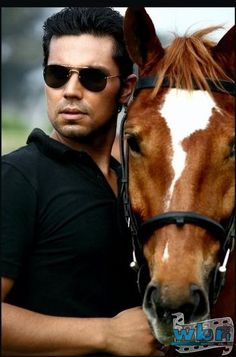 Randeep Hooda, who is always known for his love of horses and equestrian Sports, has again bagged two golds and one silver at the National Dressage Competition held at Mumbai's Mahalaxmi Race Course.   Read more: http://www.washingtonbanglaradio.com/content/24963515-awards-galore-randeep-hooda#ixzz3QidfIFcq  Via Washington Bangla Radio® Follow us: @tollywood_CCU on Twitter