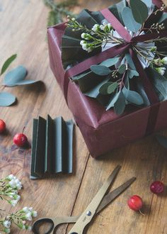 Christmas wrapping by Volang and picture by Emmy Lundström – Lovely Life Wrapping Gift, Gift Wraping, Creative Gift Wrapping, Christmas Gift Wrapping, Creative Gifts, Wrapping Ideas, Christmas Events, Christmas Mood, Xmas