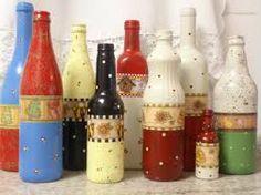 Resultado de imagem para garrafas de vidro decoradas passo a passo