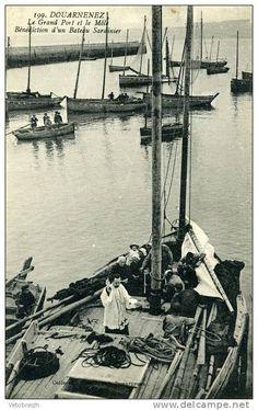 Douarnenez - Bénédiction d'un bateau sardinier à pont-arrière.