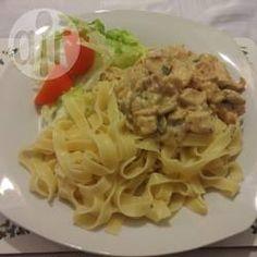 Creamy creme fraiche chicken carbonara recipe - All recipes UK Carbonara Sauce, Chicken Carbonara Recipe, Cooking Recipes, Healthy Recipes, Savoury Recipes, Simple Recipes, Rice Recipes, Cooking Ideas, Healthy Meals