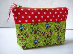 DIY Anleitung: Kosmetiktasche nähen, Nähanleitung // diy tutorial: how to sew a cosmetic bag via DaWanda.com