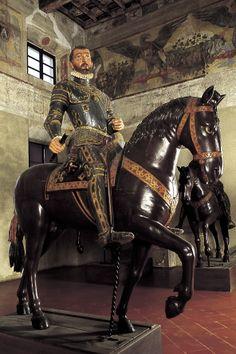 Palazzo Ducale, Vespasiano Gonzaga Colonna, statua equestre lignea - Foto di Fabrizio Buratta e Fausto Valente