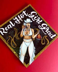 Custom Graduation Caps, Graduation Cap Toppers, Graduation Cap Designs, Graduation Cap Decoration, Graduation Party Decor, Grad Cap, College Graduation, Graduation Ideas, Girl Graduation Pictures