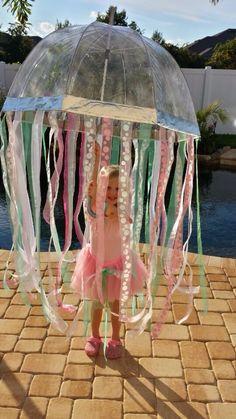 Jellyfish costume DIY