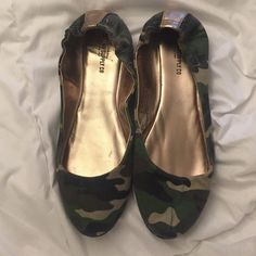 Camo flats Been worn once Mossimo Supply Co Shoes Flats & Loafers