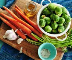 ain't no doubt - I love sprouts! (roasted brussels sprouts with carrots recipe) The best way to prepare that I know of. Roasted Sprouts, Carrot Recipes, Brussels Sprouts, Vegan Vegetarian, Carrots, Plant, Vegetables, Food, Carrot