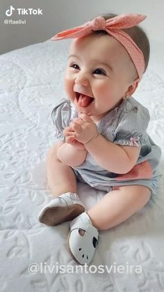 Cute Baby Boy Images, Cute Kids Pics, Cute Funny Baby Videos, Cute Funny Babies, Cute Baby Pictures, Cutest Babies, Adorable Babies, Beautiful Babies, Cute Little Baby
