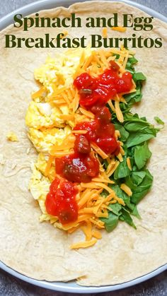 Clean Eating Breakfast, Easy Healthy Breakfast, Breakfast Dishes, Healthy Breakfast Burritos, Breakfast Egg Recipes, Breakfast Ideas With Eggs, Healthy Breakfast Meal Prep, Breakfast Quesadilla, Savory Breakfast