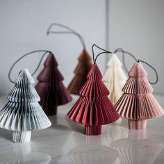 Danish Christmas, Noel Christmas, Christmas Baubles, All Things Christmas, Christmas Crafts, Paper Christmas Decorations, Paper Ornaments, Ornament Tree, Origami Design