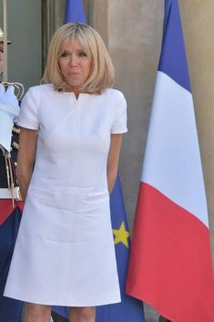 Brigitte Macron, First Lady of France Glamorous Outfits, Chic Outfits, Dress Outfits, Fashion Dresses, Beautiful Dresses, Nice Dresses, Short Dresses, Dresses For Work, Summer Dresses