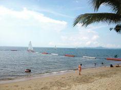 เพราะฉันก็ห่วงแต่เธอเหมือนกัน แบบที่เธอห่วงกับเขา #beach #sea #pattaya #jomtienbeach #jomtien #chonburi #travel #thailand  (ที่...