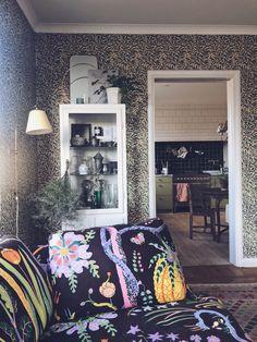 Vad ska fåtöljerna kläs i? Bradford, Decorating Blogs, Interior Inspiration, Household, Lights, Dining, Living Room, Home Decor, Walls
