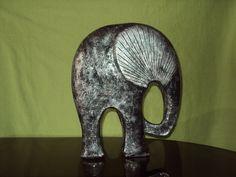 Ceramic Sculptures, Lion Sculpture, Elefante Hindu, Decoupage, Statue, Painted Elephants, African, Bottles, Sculptures