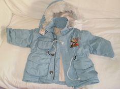 Cazadora unisex, 2 a 3 años, con capucha de quita y pon. #ropa #niños #trueque #cazadora #invierno