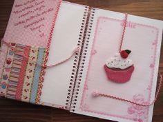 Caderno de receitas Art Diary, Activity Days, Patch, Mixed Media, Diy Crafts, Crochet, Journals, Scrapbooking, Craft Ideas