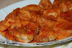Roast pork in garlic sauce, baked - Moldovan Friptura or Pork Stew Meat Steak, Chicken Steak, Pork Recipes, Chicken Recipes, Cooking Recipes, A Food, Food And Drink, Pork Stew, Romanian Food